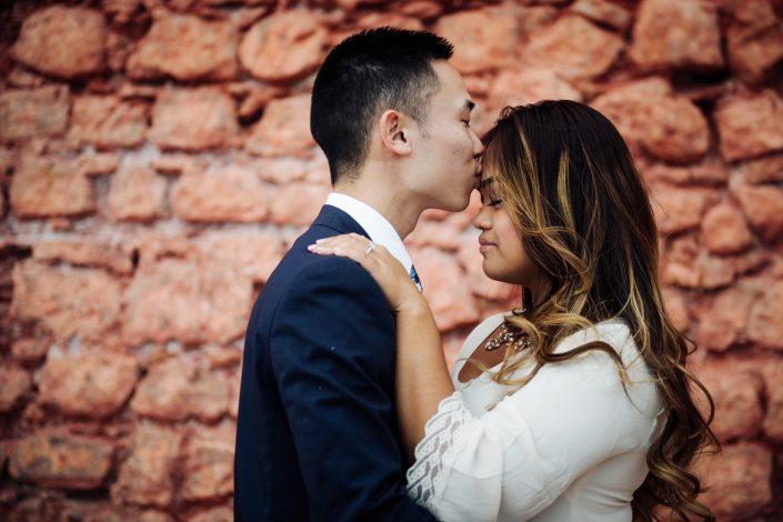 Ibiza love story. Photographer in Ibiza. Dalt Vila photo sessio