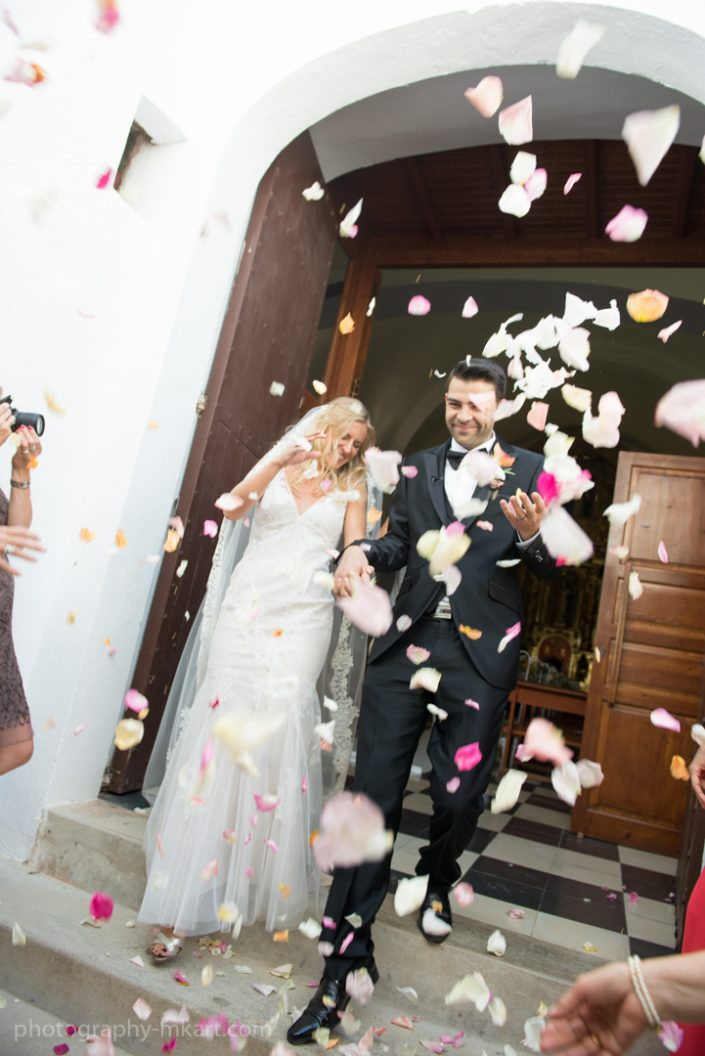 Wedding in Atzaro, Ibiza. Photography by Masha Kart