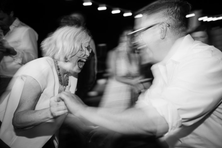 Dance! Ibiza wedding photographer Masha Kart
